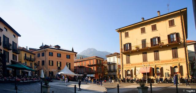 Piazza Garibaldi una delle piazze centrali di Menaggio
