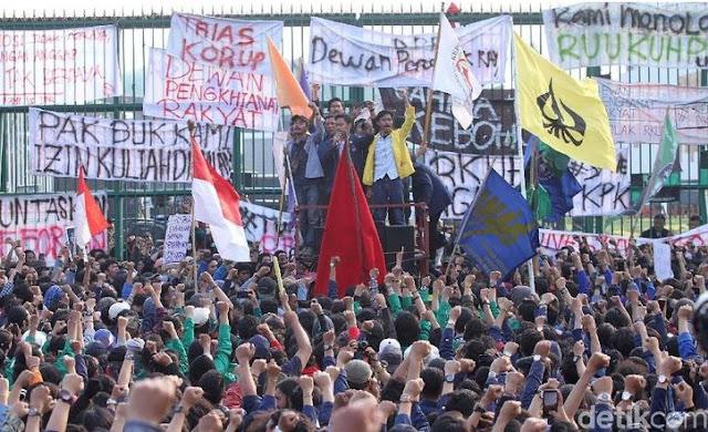 Doa Menjelang Aksi Demonstrasi