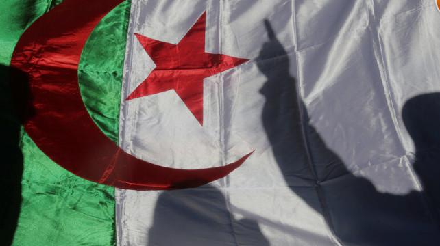 فرنسا تضع عراقيل أمام مطالبتنا باستعادة أرشيفنا