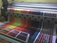 Cara Mengatasi Warna Tinta Tidak Sempurna pada Mesin Digital Printing