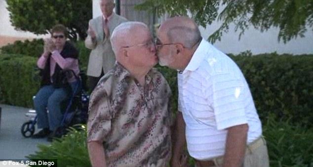 Older Men Gay 48