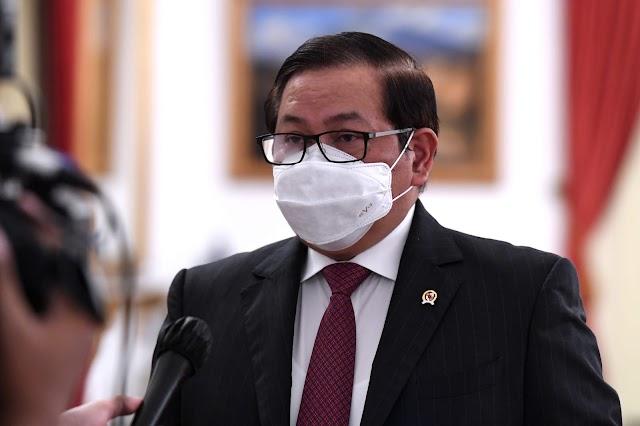 Vaksin Berbayar Dibatalkan, Presiden Larang Seluruh Menteri Bepergian ke Luar Negeri