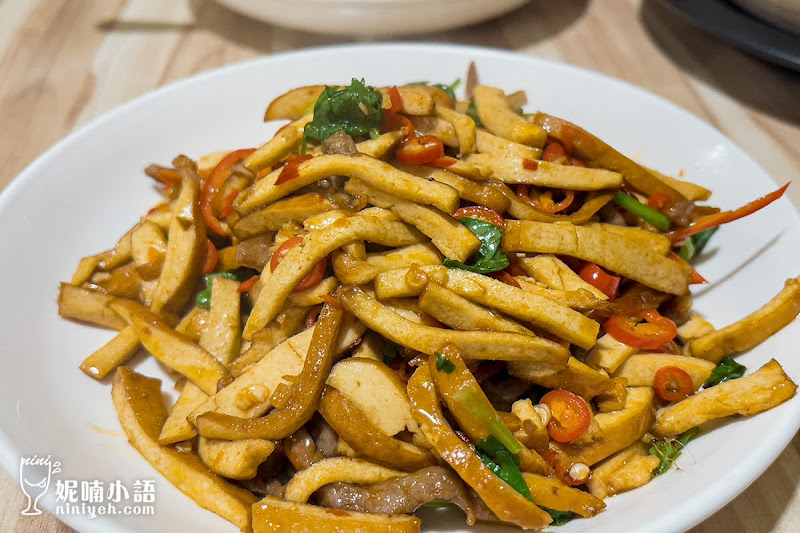【大安區美食】雞窩川菜餐廳。全台北最好喝的雞湯