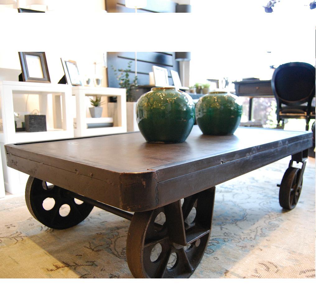 Decorando y renovando decorando con estilo industrial for Ruedas industriales antiguas para muebles