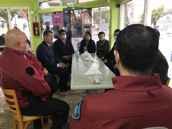 Diego Santilli y Lucas Aparicio compartieron la tarde junto a vecinos de Malvinas Argentinas