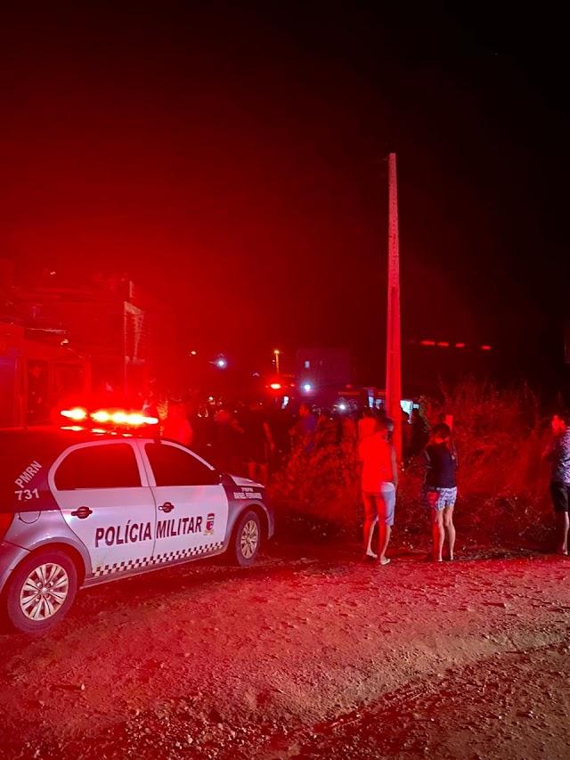 Capotamento na BR-405 deixa duas pessoas feridas em Rafael Fernandes