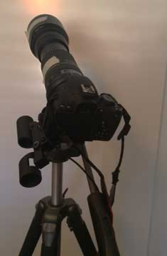 DSLR with telephoto lens and attached red dot finder scope (Souce: Palmia Observatory)