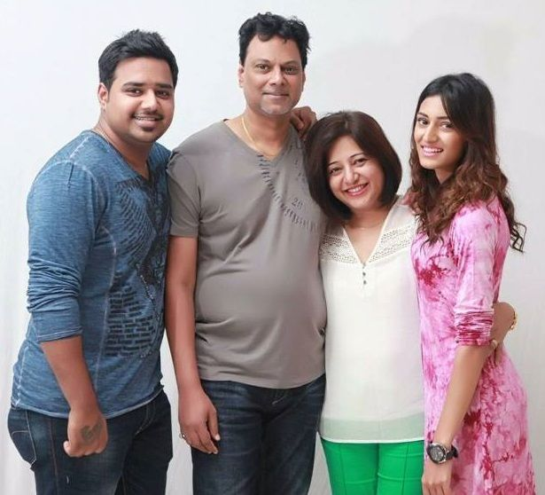 Erica Fernandes with Her family