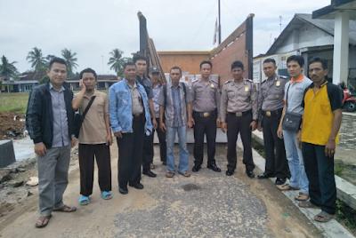 PPS Desa Rajabasa Lama Distribusikan Logistik Pilgub Lampung 2018