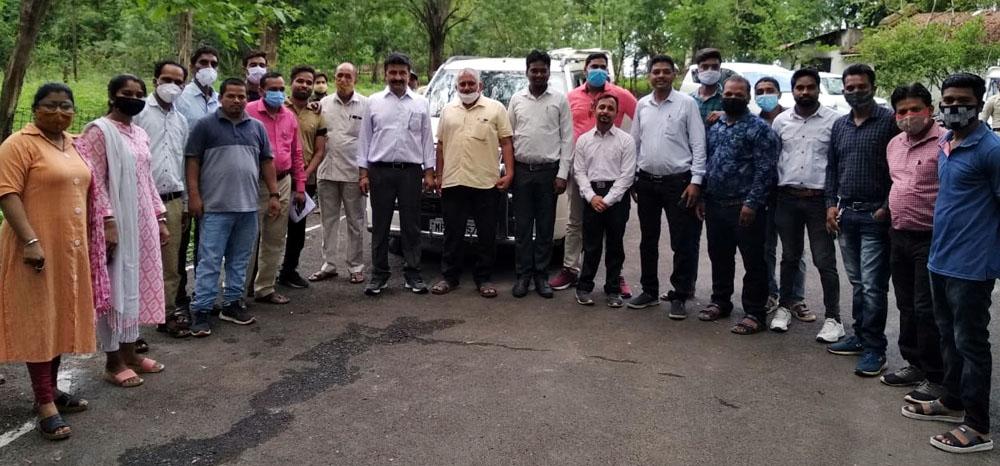 प्रभारी मंत्री के झाबुआ आगमन पर जिले के पटवारियों ने किया स्वागत एवं अपनी मांगों को सौंपा ज्ञापन