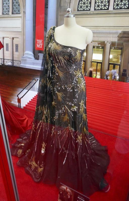 Sandra Bullock Oceans 8 Met Gala Alberta Ferretti gown