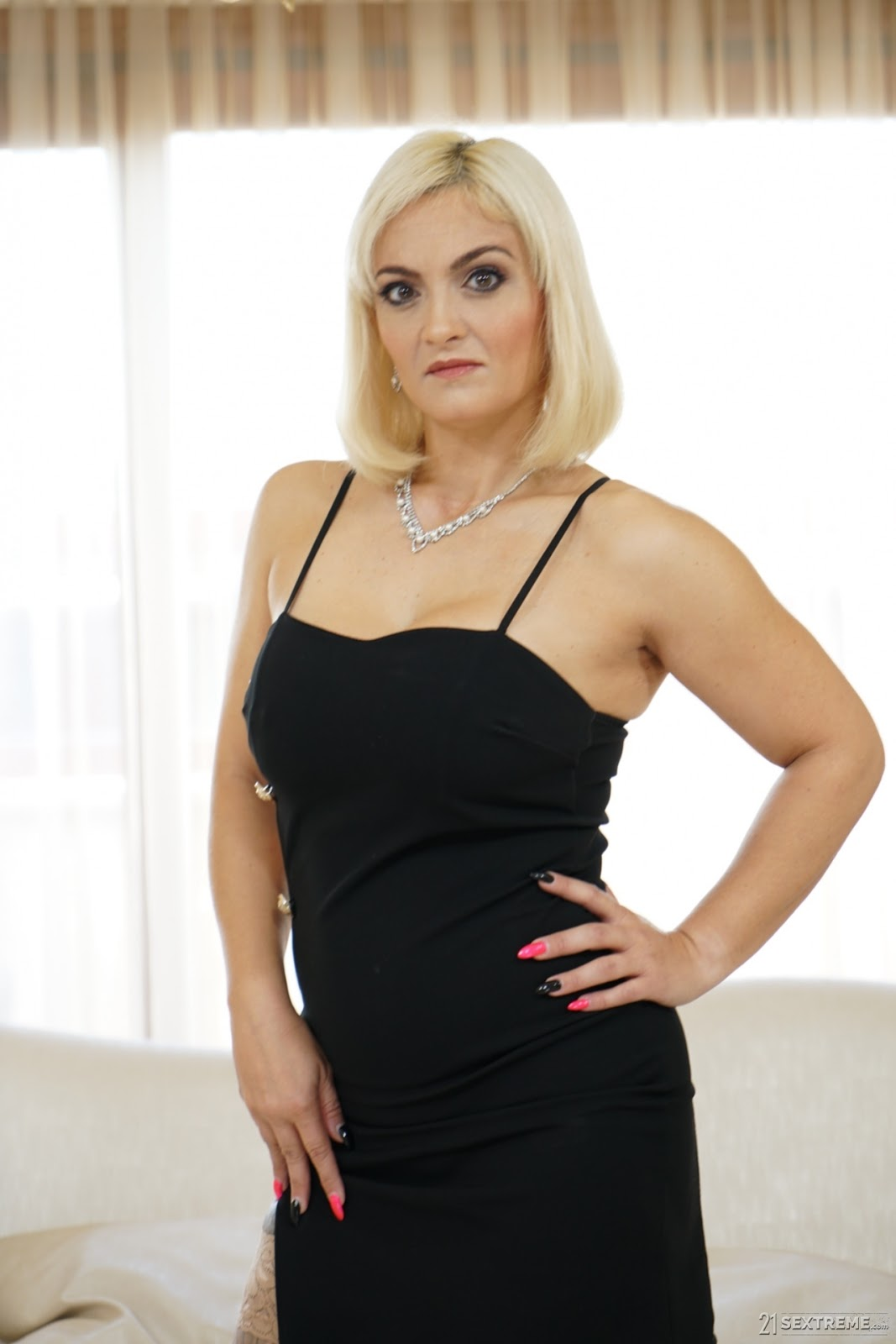 My Private Gigolo,21 SEXTREME, 4K, Anal, Threesome, Uncensored, Westen, Westen Porn,Mugur ,Mary Rider