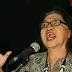 Puisi: Sajak Duka Perempuan Tua (Karya Diah Hadaning)