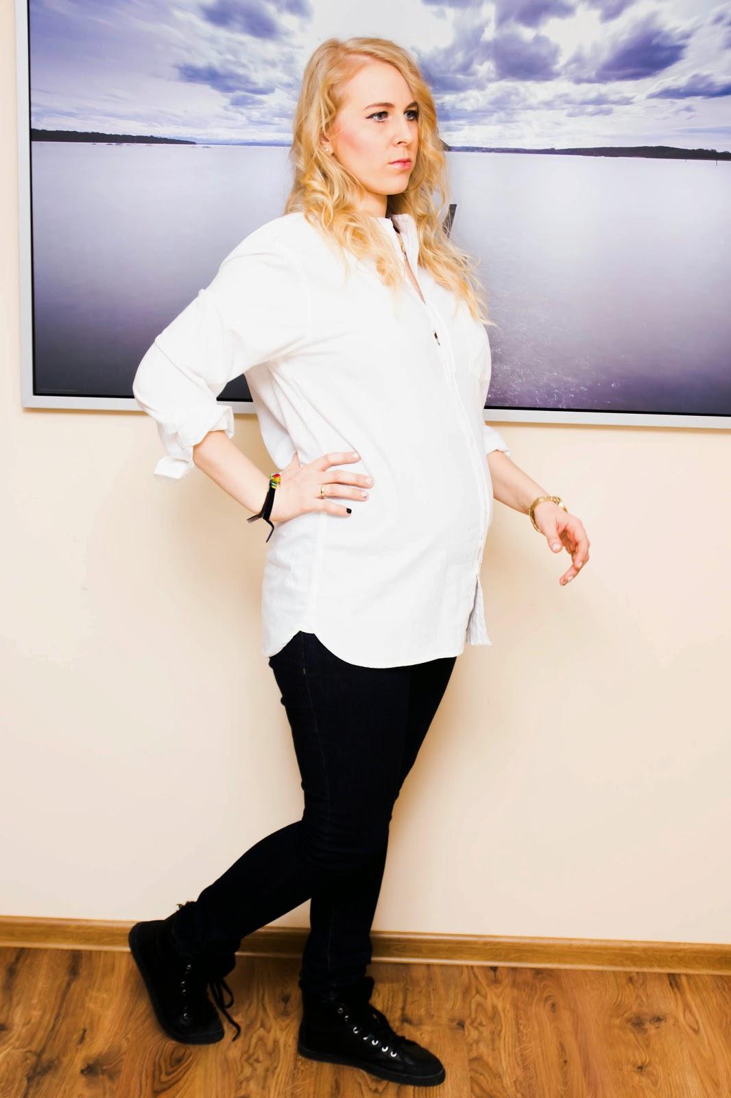 Klasyczna biała męska koszula / Casual