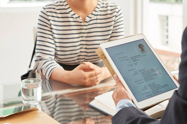 El currículum vitae, puerta al mundo laboral: experta