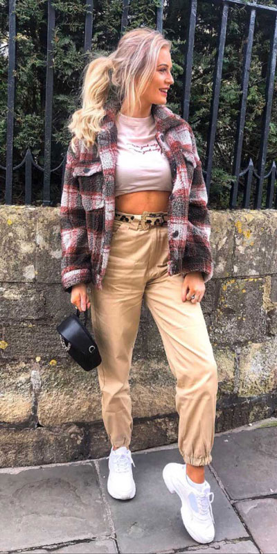 Transform your summer looks with these fashion-forward summer outfits for every summer occasion. Summer Outfit Ideas via higiggle.com  | #summeroutfits #cuteoutfits #style