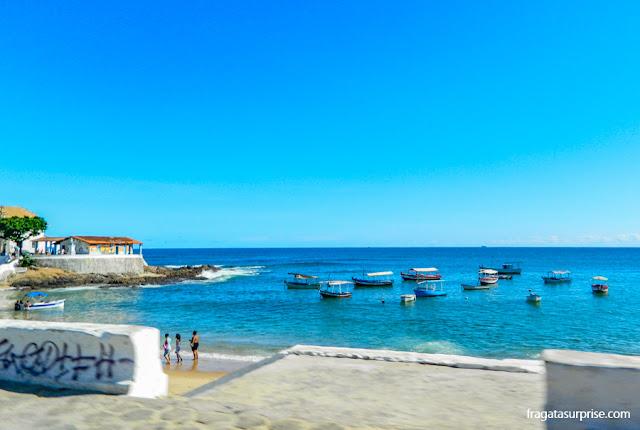 Praia do Rio Vermelho e a Casa de Iemanjá, em Salvador