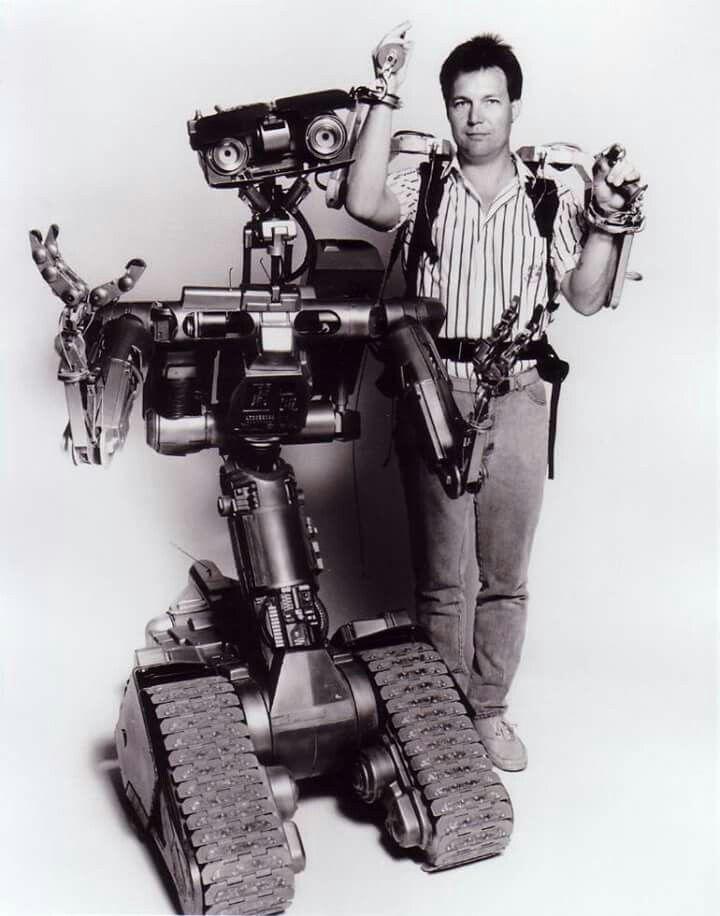 Manejo del robot Número 5 en la película Cortocircuito