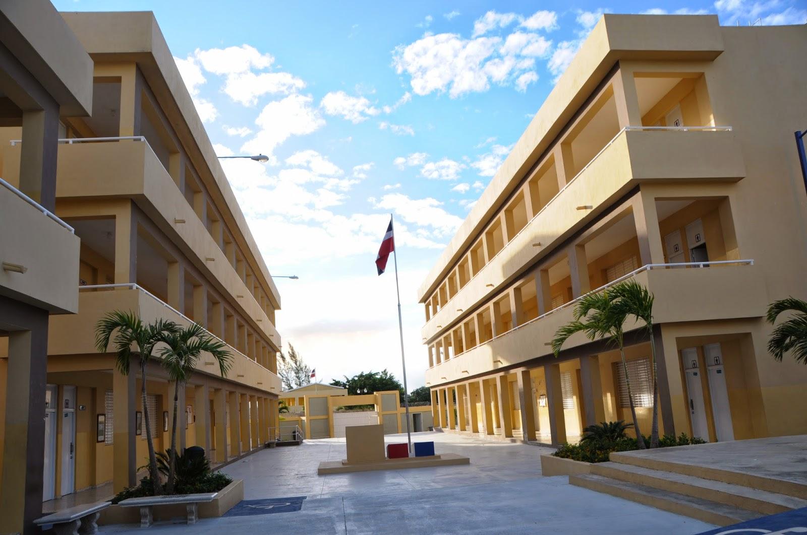 Resultado de imagen para la escuela en republica dominicana