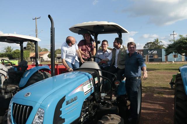 Nova Mamoré recebe do Governo veículos, máquinas e equipamentos para atender pequenos produtores e agricultura familiar