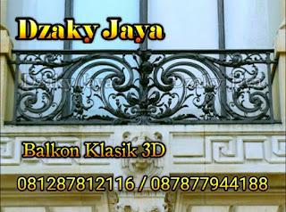 Contoh model railing balkon klasik / balkon besi tempa untuk rumah mewah klasik.