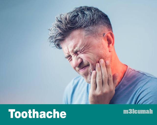 أفضل العلاجات طبيعية لألم الأسنان
