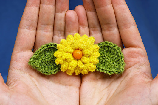 Lilah' s Treasures: Early spring and crochet flowers