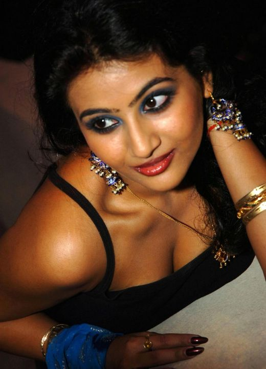 Sexy boobs of south indian actress