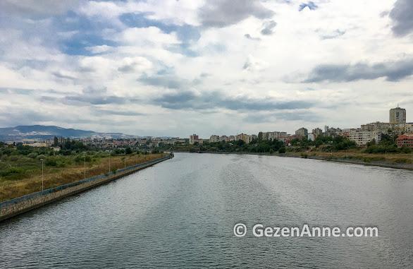 Arda nehri Kırcaali'den geçiyor, Bulgaristan