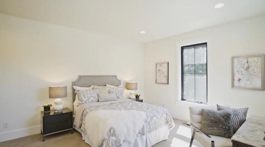47 Interior Design Photos vs. 9988 NE 26th St, Bellevue, WA Luxury Home Tour