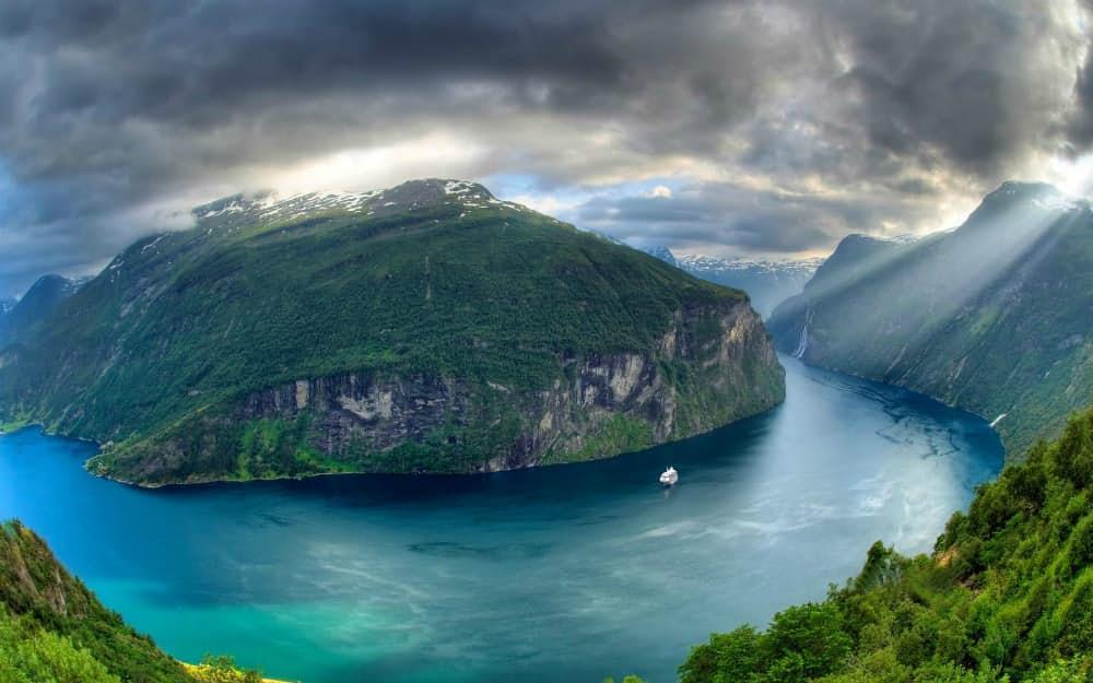 Geiranger Fjord Norveç