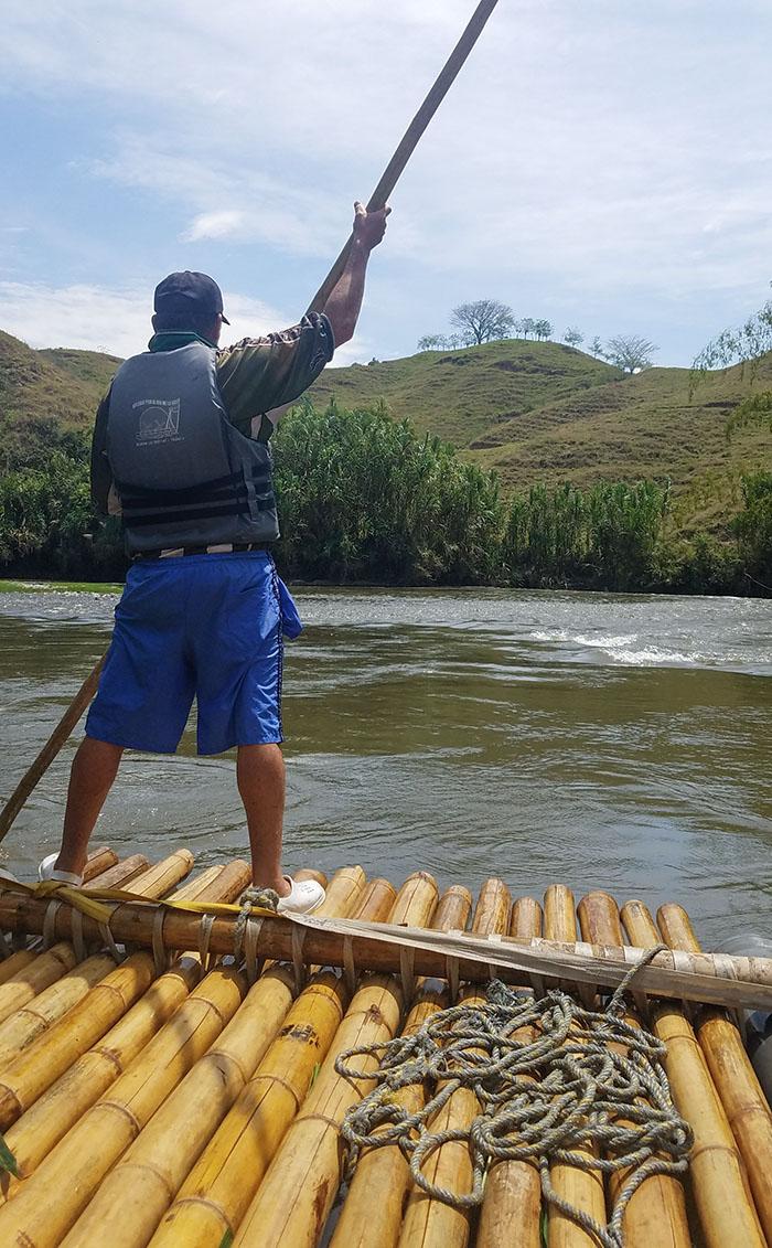 Rafting down La Vieja River - Bogadero