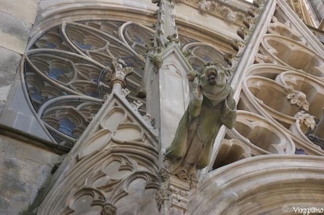 Particolare esterno della facciata della Basilica di Saint Nazaire
