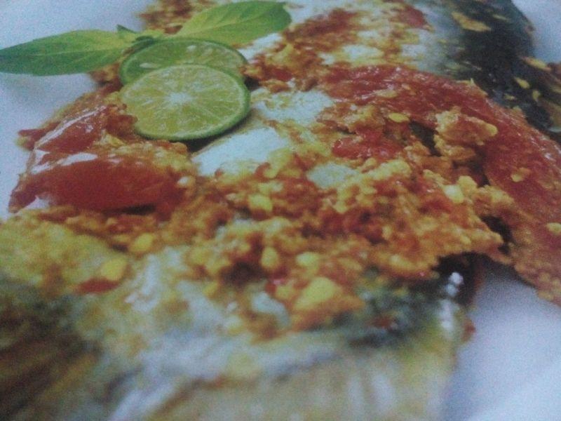 pepes ikan patin asam pedas