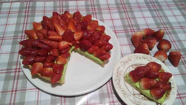 tarte aux fraises pâte sablée pâte de pistache crème pâtissière