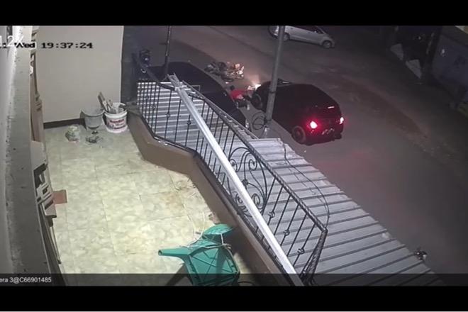 Tabrakan dengan Mobil, Pemotor Di Bone Dilarikan ke Rumah Sakit