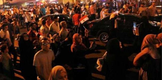 Tuntut Presiden Mesir Mundur, Ribuan Orang Turun ke Jalan