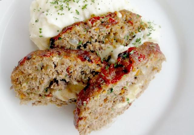 Keto Cheese Stuffed Meatloaf #keto #lowcarb