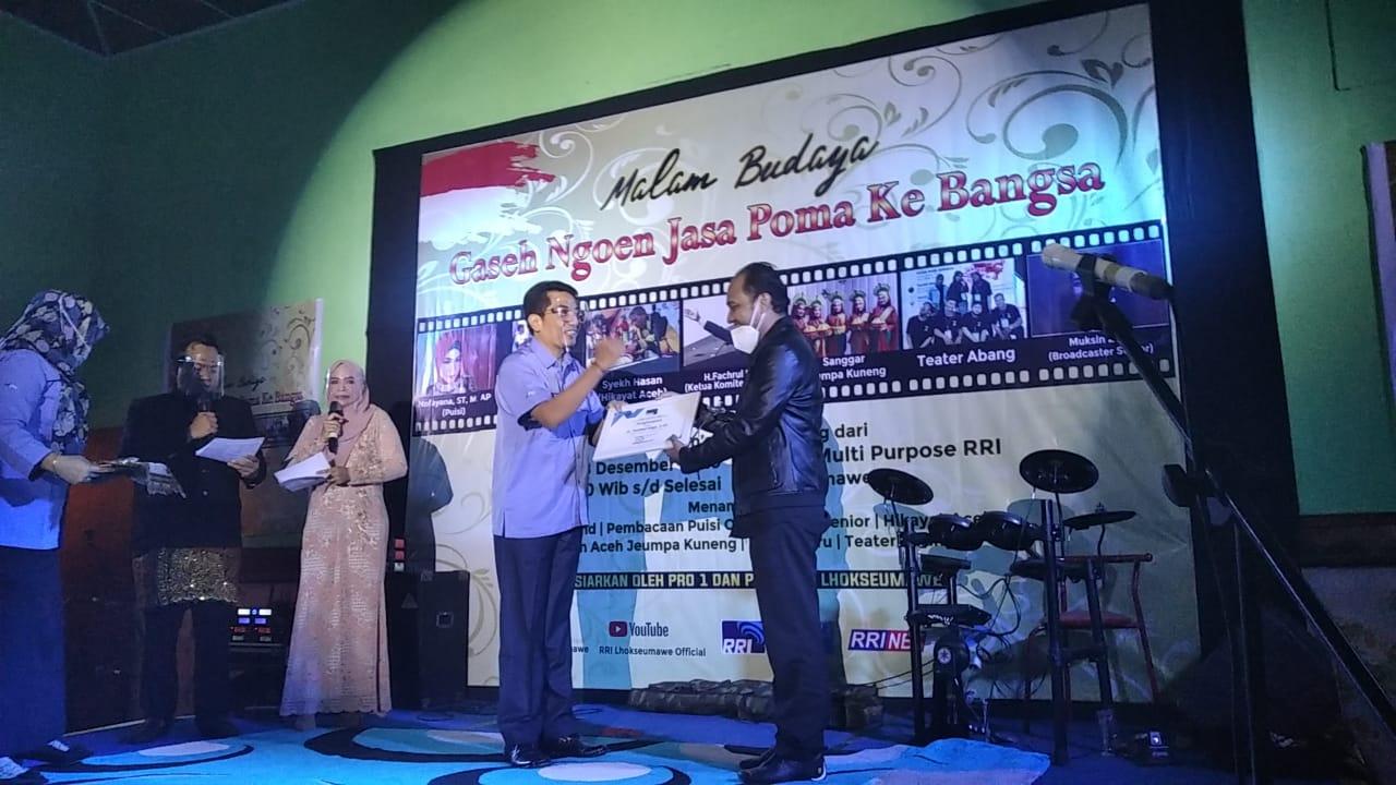 Senator Fachrul Razi Raih Penghargaan Peduli Media