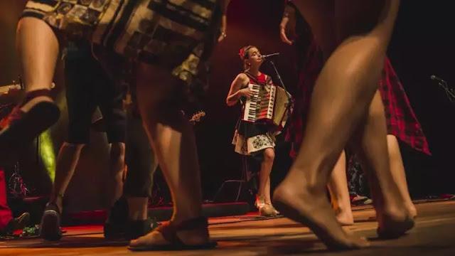 """""""Amatoria"""": Pascuala Ilabaca sorprende con sonidos inéditos en su nuevo epé"""