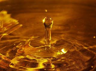 Agua dorada, golden water
