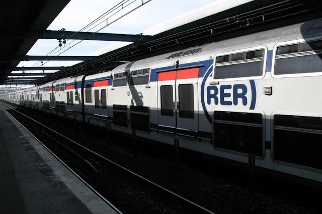 Trem RER B Charles de Gaulle até Paris