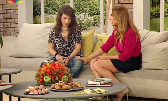 Πένu Σκάρου: Η πρώτη της τηλεοπτική εμφάνιση και η φάουλ ερώτηση της Τατιάνας Στεφανίδου!