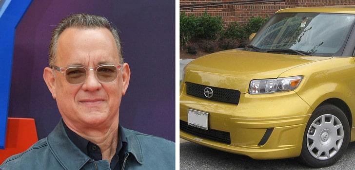 Milyonlarca kazanç elde etmesine rağmen ucuz araba kullanan ünlüler    Birçoğumuz, konu ünlüler olduğunda muhteşem yaşamları, pahalı arabaları görmeye alışkınız, ancak her ünlünün farklı zevkleri var. Milyonlarca ucuz araba tercih eden ünlüler de var. Bu ünlülerden bazıları… Cameron Diaz — Toyota Prius Aktris olarak kariyerinin en yüksek ücretli Hollywood yıldızlarından biriydi. Şu anda çevre dostu olan Toyora Prius'tan çok memnun. Justin Timberlake — Volkswagen Jetta Dünyanın dört bir yanından hayranları olan J. Timerlake, servetine rağmen bir Volkswagen Jetta kullanmayı tercih ediyor. Tom Hanks — Scion xB Son yıllarda, birçok popüler pahalı otomobili terk etti ve çevre dostu otomobilleri tercih etti. Yıllardır Scion xB'yi yöneten Tom Hanks bu ünlülerden biri. Jennifer Lawrence — Volkswagen Eos Kariyerinin en başarılı dönemlerinde bile Volkswagen Eos'tan vazgeçmez. Sadece bir filmden aldığı servet 653 milyon dolar. Jeff Bezos - Honda Accord 117 milyar dolarlık servete sahip dünyanın en zengin adamı Jeff Bezos, yıllardır Honda Accord kullanıyor. Neden sorulduğunda, arabanın hala iyi durumda olduğunu söylüyor. Britney Spears — BMW Mini Cooper İnanması zor, ancak Britney Spears ucuz bir araba tercih eden ünlülerden biri. Lily Allen — Ford Focus Ünlü şarkıcı Lilly Allen yeşil Ford Focus'u seviyor! Daniel Radcliffe — Fiat Grande Punto Harry Potter serisi ile dünya çapında ün kazanan Daniel, Fiat Grande Punto'yu kullanıyor. Çevre dostu bir araba tercih ediyor ve lüks arabalardan uzak duruyor. Clint Eastwood — GMC Typhoon Efsanevi aktör Clint Eastwood GMC Typhoon'u yönetiyor. Conan O'Brien — Ford Taurus Conan O'Brien ünlü olmadan önce sahip olduğu arabayı hala değiştirmedi!