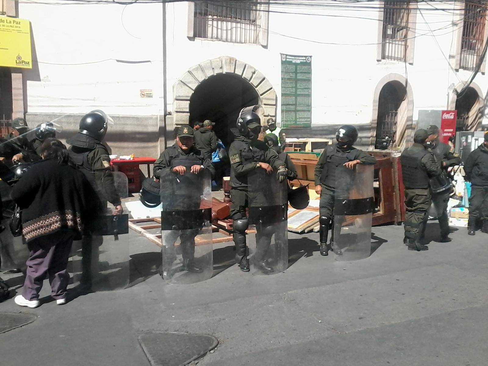 Una de las recientes requisas a San Pedro, que decomisó negocios enteros dentro del panóptico / VISOR BOLIVIA