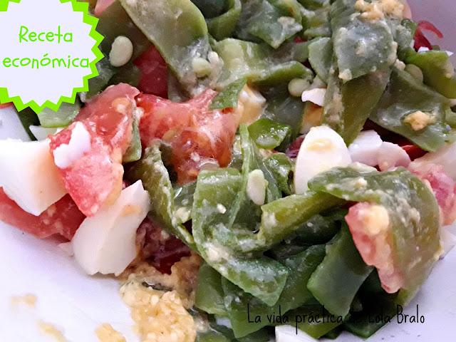 Ensalada de judias verdes jamón huevo duro y tomate