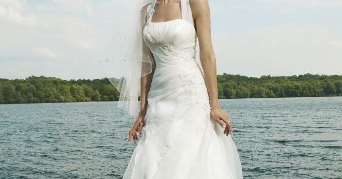 WhiteAzalea Simple Dresses: Simple Beach Wedding Dress