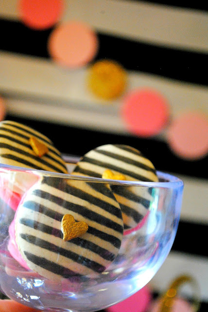 Kate Spade inspired macarons from Sprinkle Made for Fizzy Party's BFF party