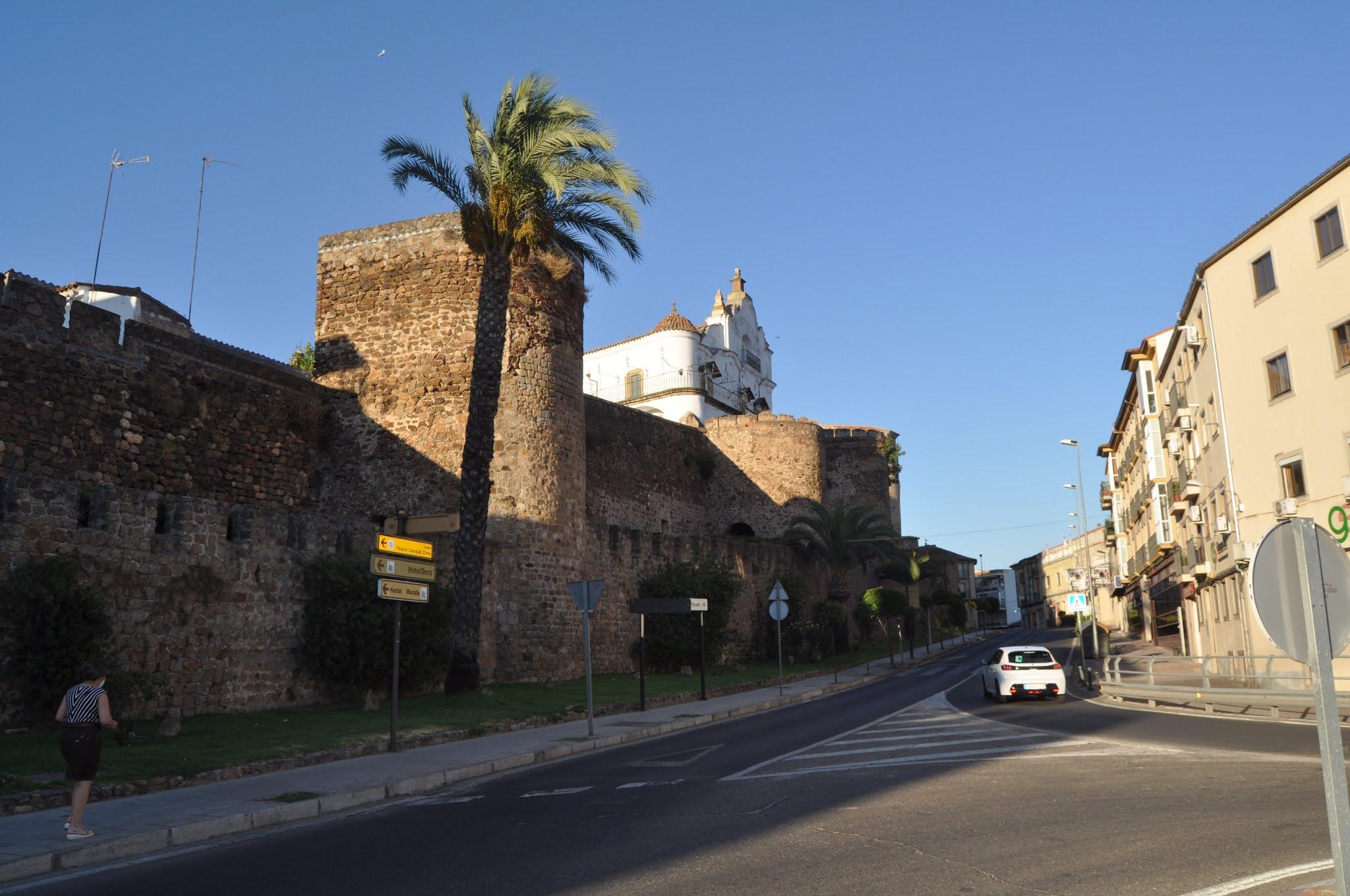 Foto de la muralla de Plasencia