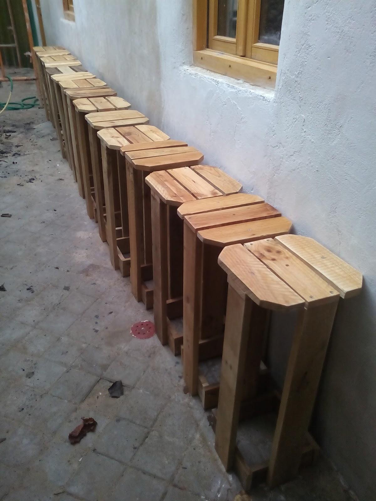 Supermanitas como hacer taburete con madera de pal s - Taburetes de madera ...